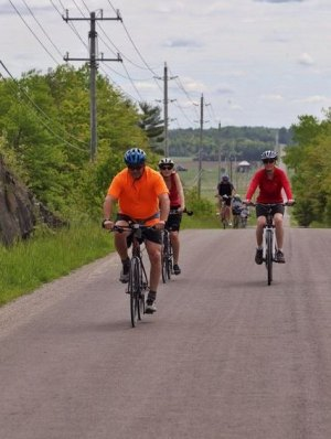 Trans Canada Trail/Great Lakes Waterfront Trail: Government Road