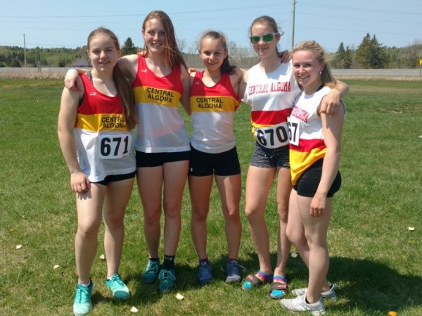 Midget Girls Relay Team (L-R) Lauren Stevens, Gwen Allard, Mikayla Winter, Brook Rivers & Sadie Gowlett.
